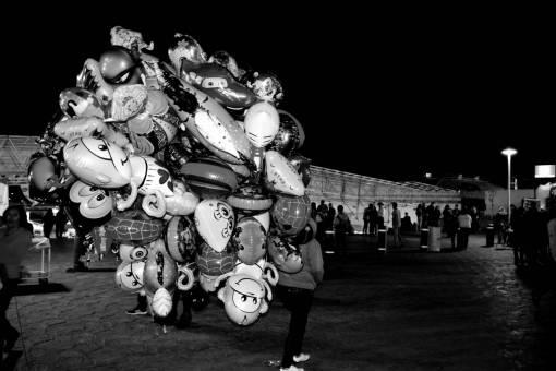 night  crowd  carnival  amusement park