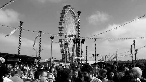 people  crowd  pole  ferris wheel  carnival