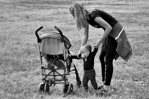 stuck mom anak feel park walking berjalan melatih tahun grass motherhood child season summer being if usia cara  pedestrian