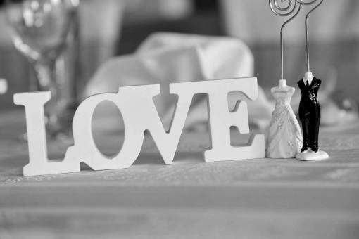 figurine marriage romance sculpture indoors valentine furniture table kb